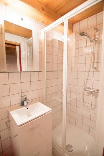 Location de vacances - Appartement à Valloire - salle de douche  1