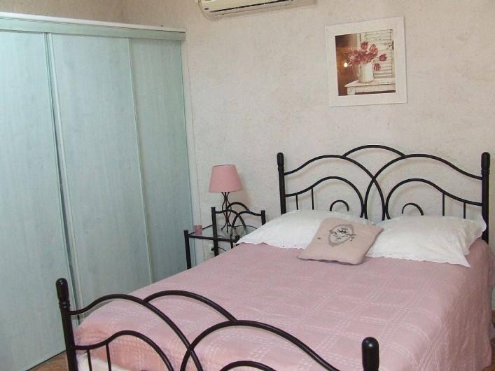Location de vacances - Appartement à La Cadière-d'Azur - chambres douillette