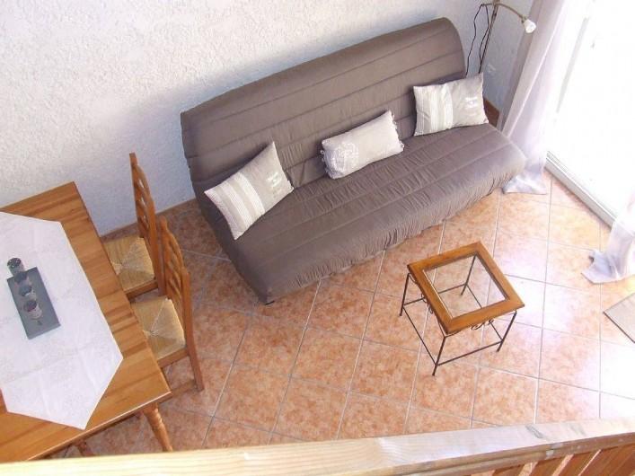 Location de vacances - Appartement à La Cadière-d'Azur - salon pour le repos devant la television
