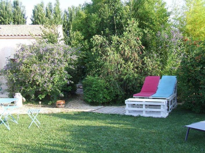 Location de vacances - Appartement à La Cadière-d'Azur - vegetation abondante