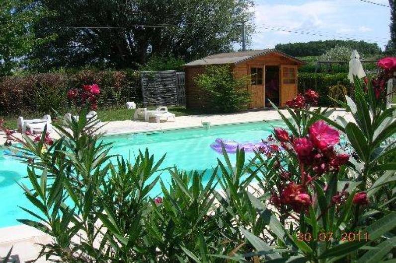 Location de vacances - Gîte à Thénac - Piscine  11 x 5 chauffée, sécurisée, ombragée.