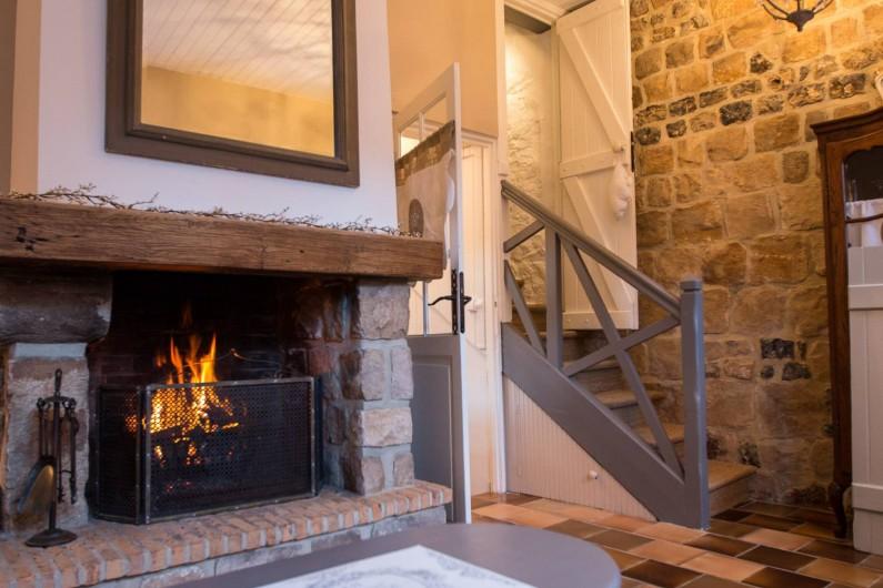 Location de vacances - Chambre d'hôtes à Veules-les-Roses - Le petit escalier qui mêne aux chambres.
