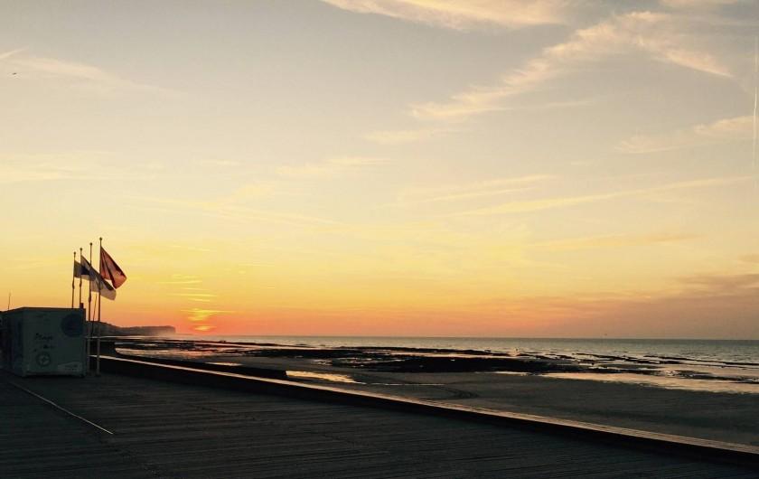 Location de vacances - Chambre d'hôtes à Veules-les-Roses - Une dernière petite photo de la plage le soir . . .