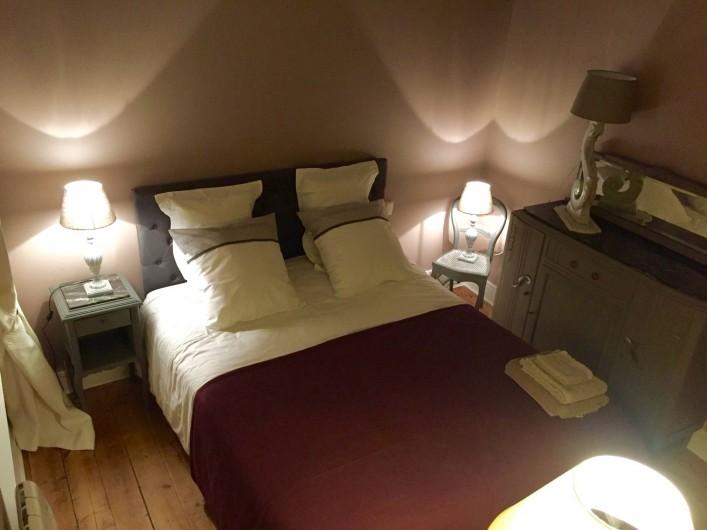 Location de vacances - Chambre d'hôtes à Veules-les-Roses - La chambre principale.