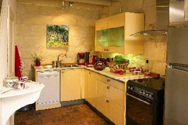 Location de vacances - Villa à Berthenay - cuisine neuve aménagée