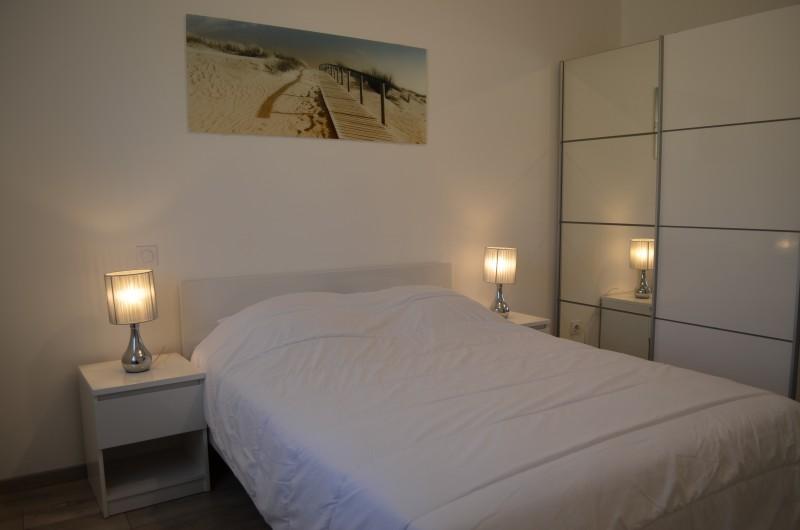 Location de vacances - Villa à Saint-Sauveur-de-Cruzières - Chambre avec lit en 140*200cm
