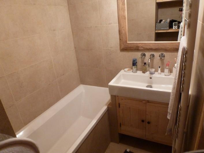 Location de vacances - Studio à L'Alpe d'Huez - salle de bain