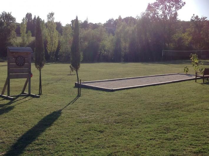 Location de vacances - Chalet à Vergt-de-Biron - Terrain de pétanque et jeu de fléchettes