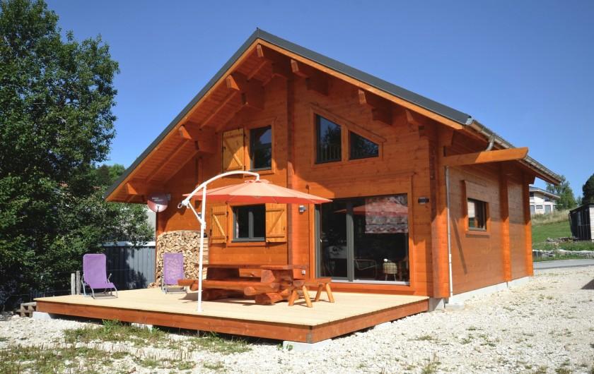 Location de vacances - Chalet à La Pesse - Terrasse