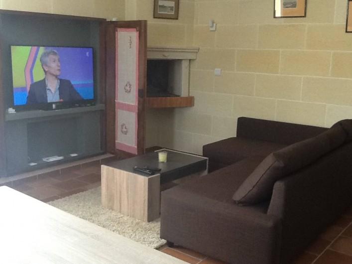 Location de vacances - Villa à Saint-Vivien-de-Médoc - Coin salon, TV grand écran