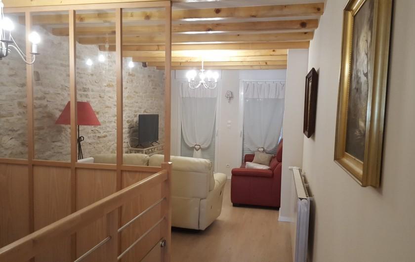 Location de vacances - Gîte à Médière - Salon (vue depuis la cuisine)