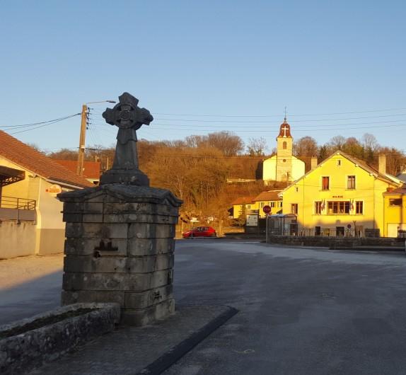 Location de vacances - Gîte à Médière - Centre du village