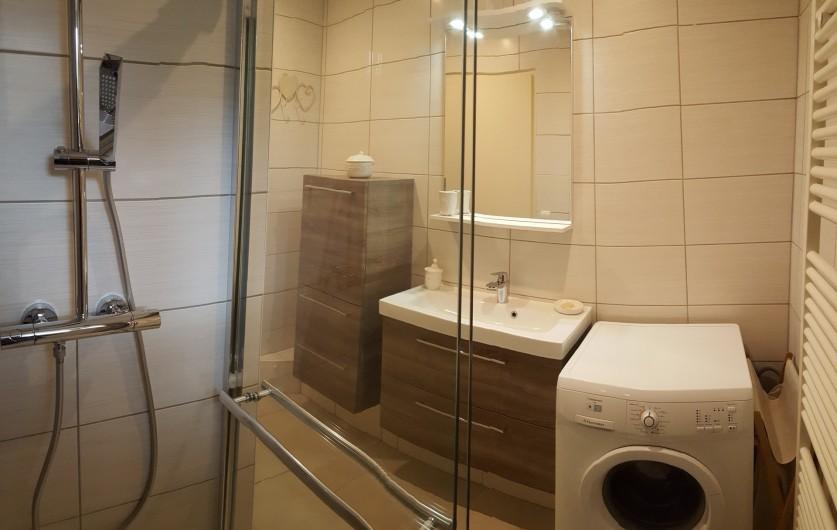 Location de vacances - Gîte à Médière - Salle de bains