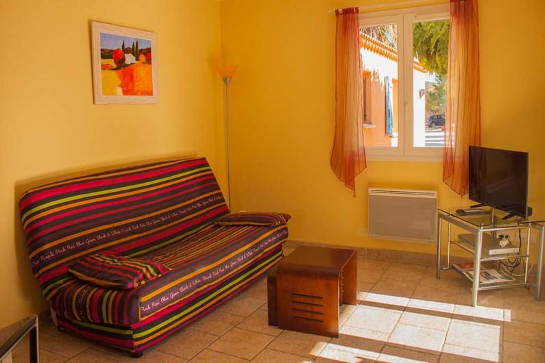 Location de vacances - Gîte à Collias - Cour commune avec Gîte Estérel