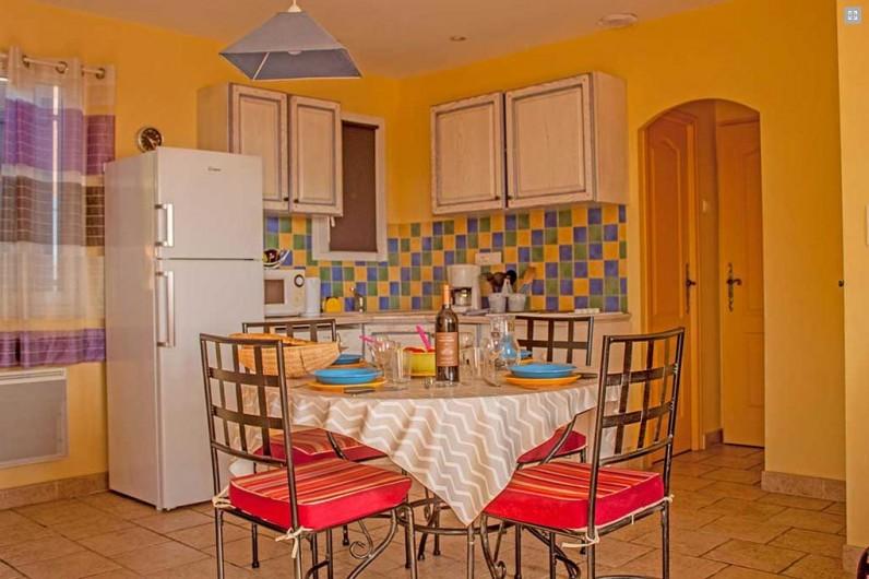 Location de vacances - Gîte à Collias - Piscines vue de nuit