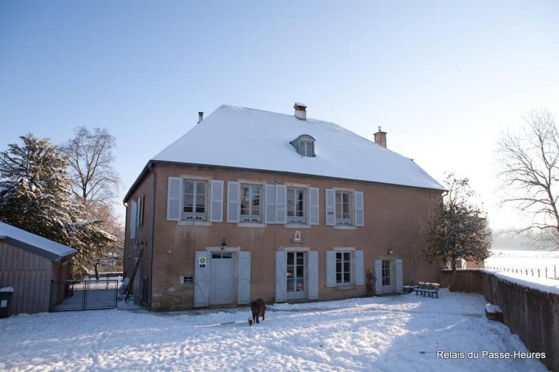 Location de vacances - Chambre d'hôtes à Cenans - Il arrive qu'il neige !