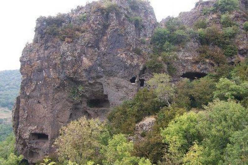 Location de vacances - Roulotte à Saint-Jean-le-Centenier - A proximité : Grottes Troglodytes de Montbrun