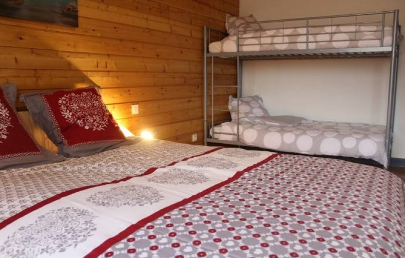 Location de vacances - Gîte à Sirod - Chambre à l'étage