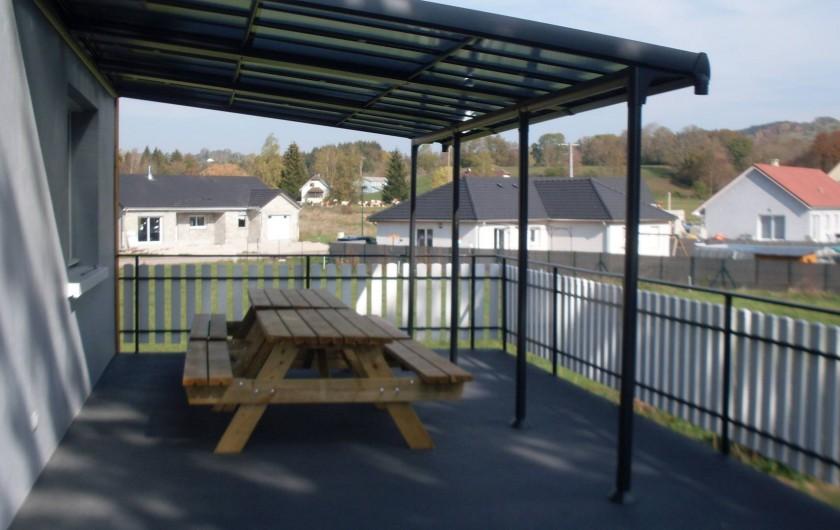 Location de vacances - Gîte à Sirod - Terrasse avec plancha