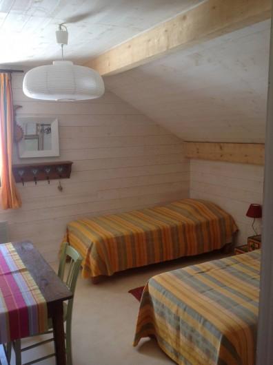Location de vacances - Chalet à Bonlieu - Chambre étage