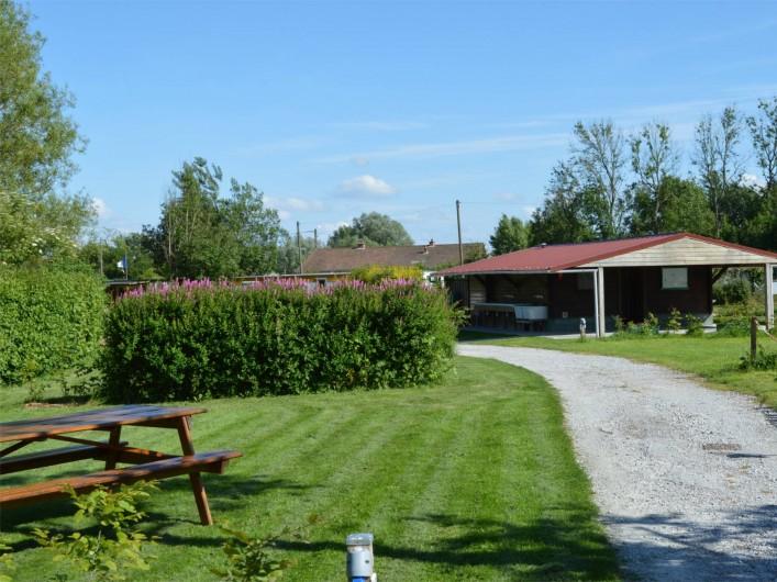 Location de vacances - Bungalow - Mobilhome à Aire-sur-la-Lys - Emplacements et sanitaires