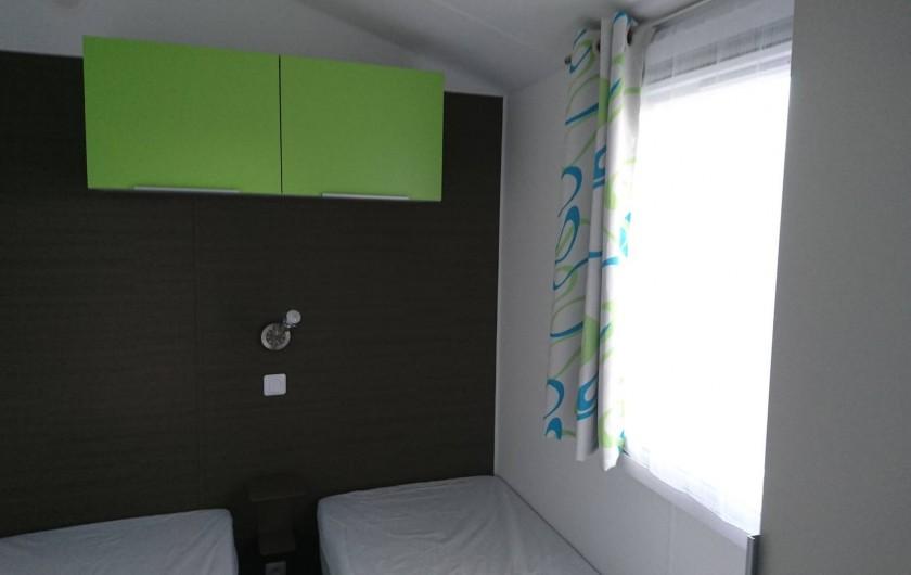 Location de vacances - Bungalow - Mobilhome à Aire-sur-la-Lys - Chambre lits jumeaux