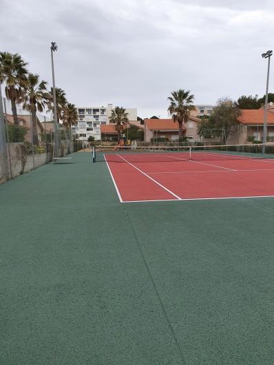 Location de vacances - Villa à Saint-Cyprien Plage - Tennis de la résidence