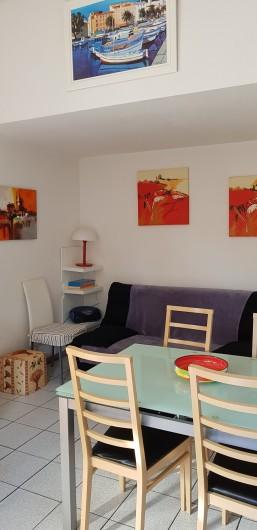 Location de vacances - Villa à Saint-Cyprien Plage - Séjour avec canapé lit 2 places