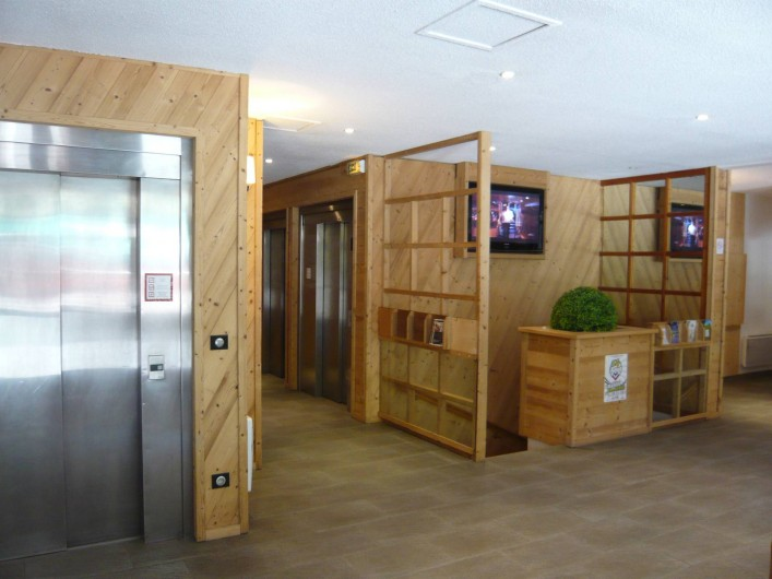 Location de vacances - Appartement à Méribel-Mottaret - hall d'entrée de la résidence