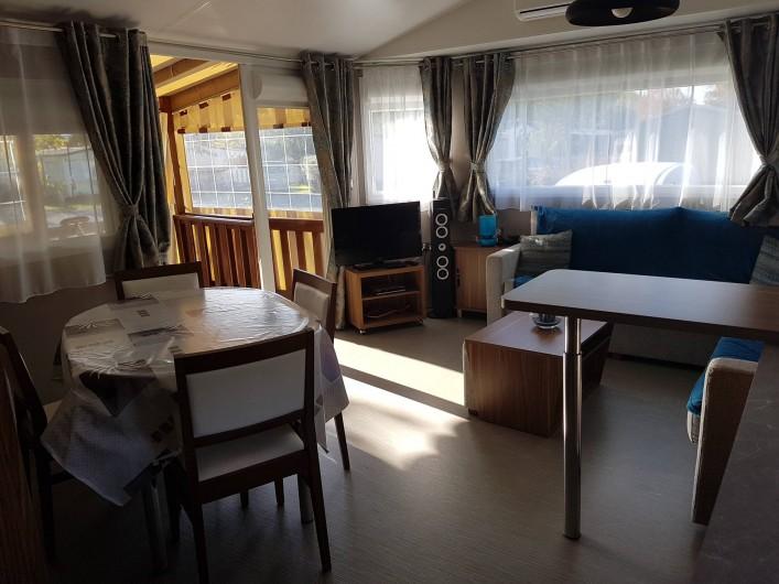 Location de vacances - Bungalow - Mobilhome à Gastes - SALLE A MANGER