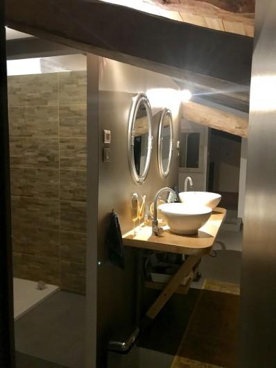 Location de vacances - Gîte à Vendine - Salle d'eau des  chambres  2 et 3