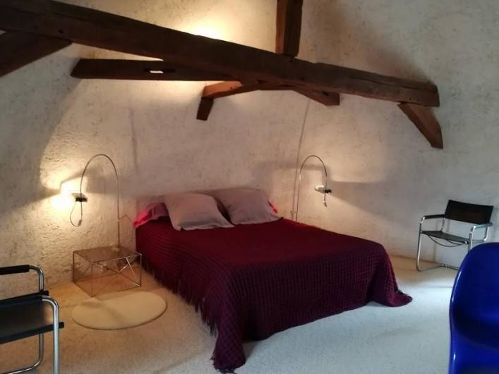 Location de vacances - Gîte à Saint-Georges-sur-Baulche - Chambre double, au 1er étage, lit 160