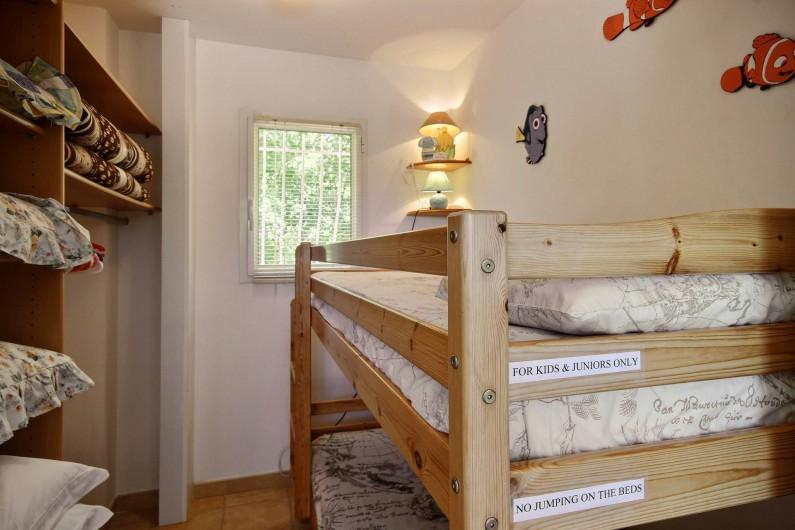 Location de vacances - Villa à Valbonne - 2 lits superposés à l'étage dans pièce indépendante