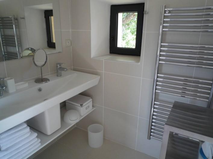 Location de vacances - Mas à Bédoin - Salle d'eau