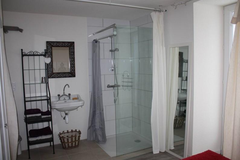 Location de vacances - Appartement à Chaux-des-Prés - salle d'eau.