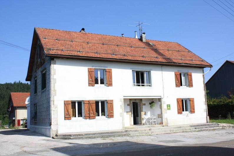 Location de vacances - Appartement à Chaux-des-Prés - la maison .
