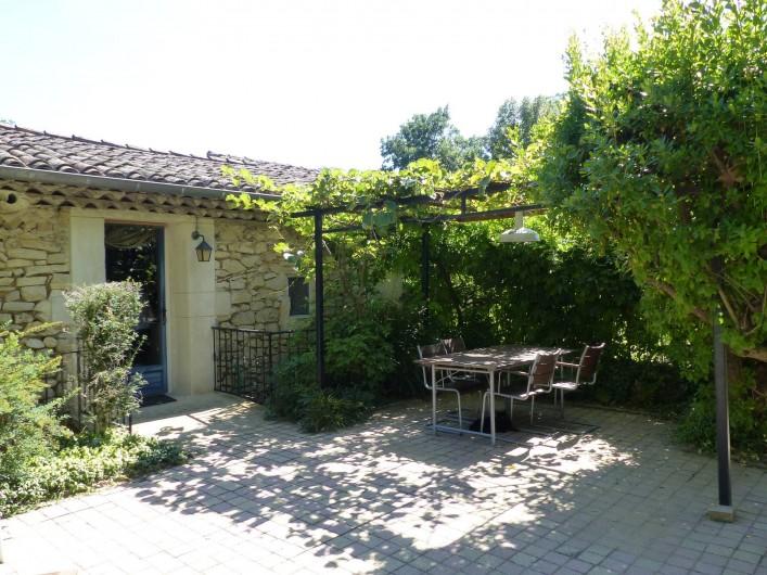 Location de vacances - Gîte à Grane - Cour privée du gite APIS LIGUSTICA