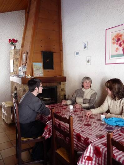 Location de vacances - Gîte à Habère-Poche - La salle à manger