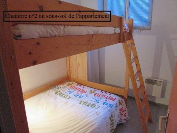 Location de vacances - Appartement à Cauterets - Chambre 2 avec 2 lits doubles superposés de 140 x 190 cm