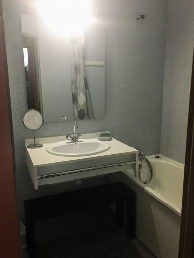 Location de vacances - Appartement à Cauterets - Salle de bain