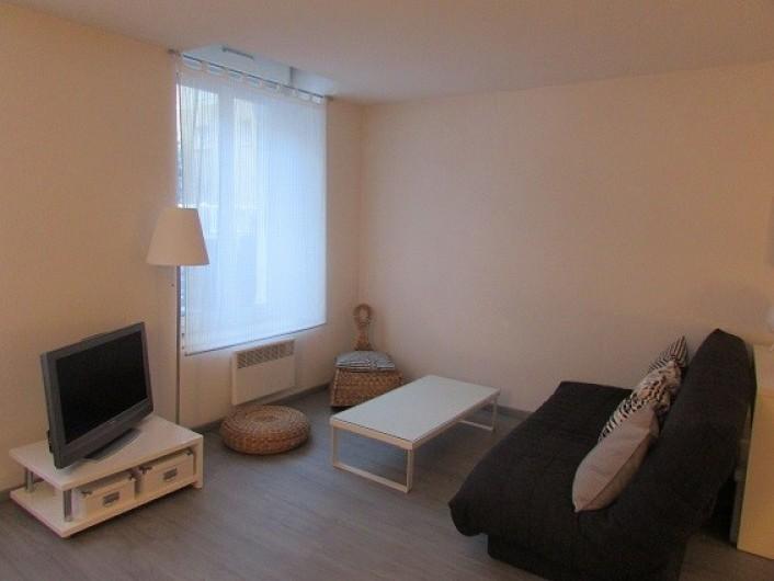 Location de vacances - Appartement à Cauterets - Coin salon au rez-de-chaussée