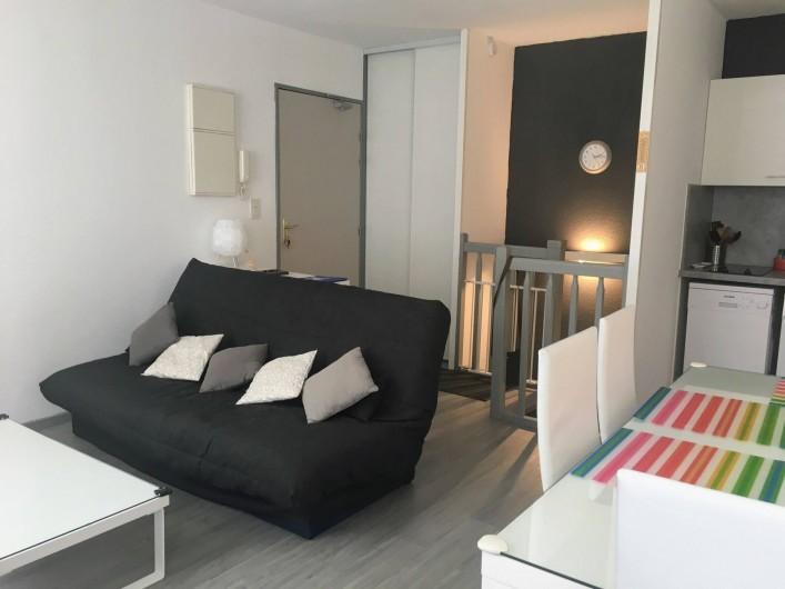 Location de vacances - Appartement à Cauterets - Salon et entrée