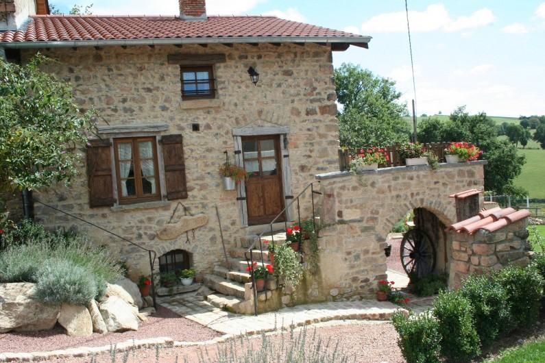 Location de vacances - Gîte à Chirassimont - Maison côté chemin