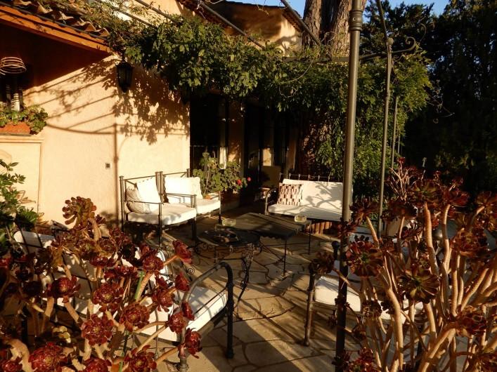 Location de vacances - Chambre d'hôtes à Ramatuelle - Salon sur la Terrasse