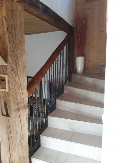 Location de vacances - Chalet à Bourg-Saint-Maurice - Montée escalier