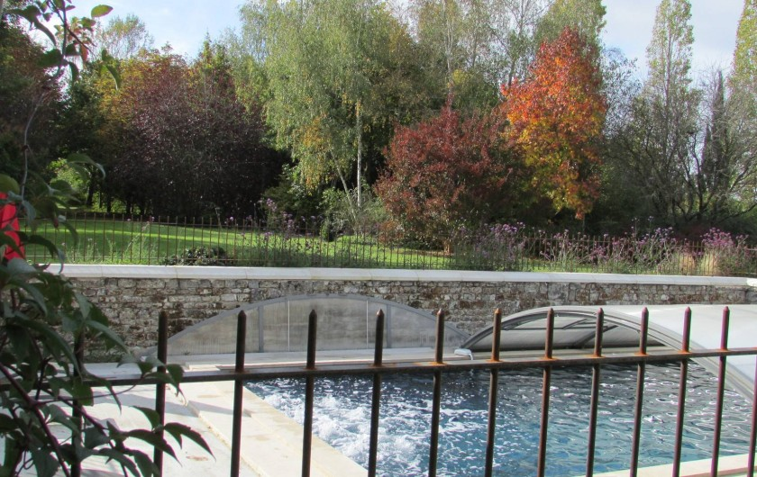 Maison de famille en val de loire avec superbe jardin et for Camping indre et loire avec piscine couverte