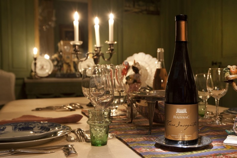 Location de vacances - Chambre d'hôtes à Béziers - Salle a manger, découvrez les vins du château.
