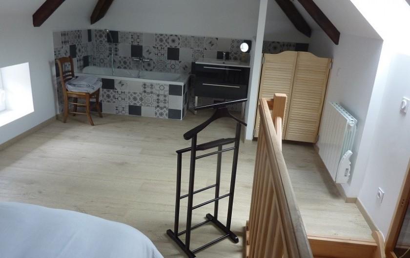 Location de vacances - Villa à Vosne-Romanée - Monté d'escalier et toilette chambre du haut