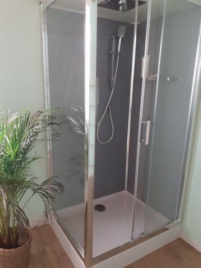 Location de vacances - Appartement à Chastreix - DOUCHE