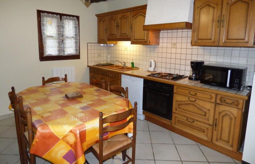 Location de vacances - Gîte à Saint-Étienne-de-Carlat - buron de la région  2Km